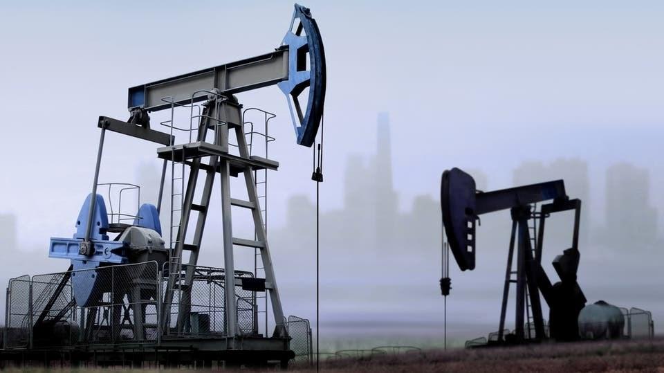 """""""بلومبرغ"""": سقوط إمبراطورية النفط الخليجية يلوح في الأفق"""