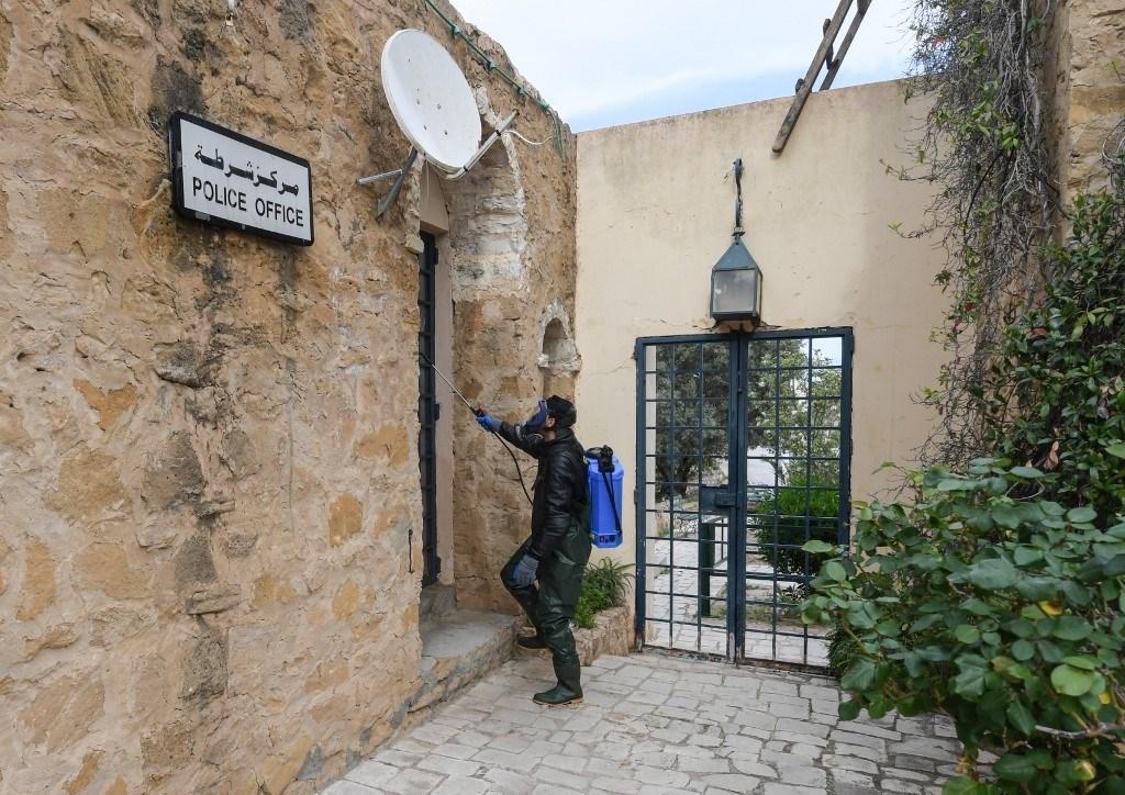 تونس تعلن الحجر الصحي العام بسبب كورونا