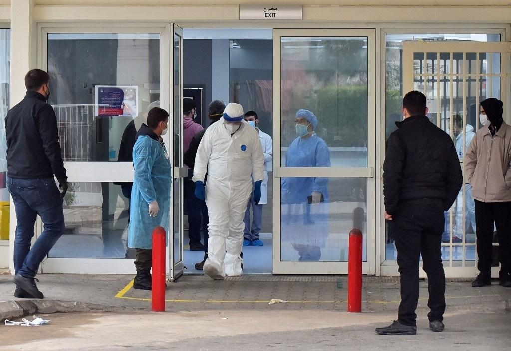وزير الصحة يعلن انزلاق لبنان من مرحلة احتواء فيروس كورونا إلى مرحلة الانتشار