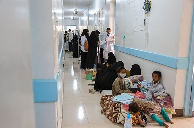 وزير الصحة اليمني: 93% من المعدات الطبية خرجت عن جاهزيتها بسبب الحصار والعدوان