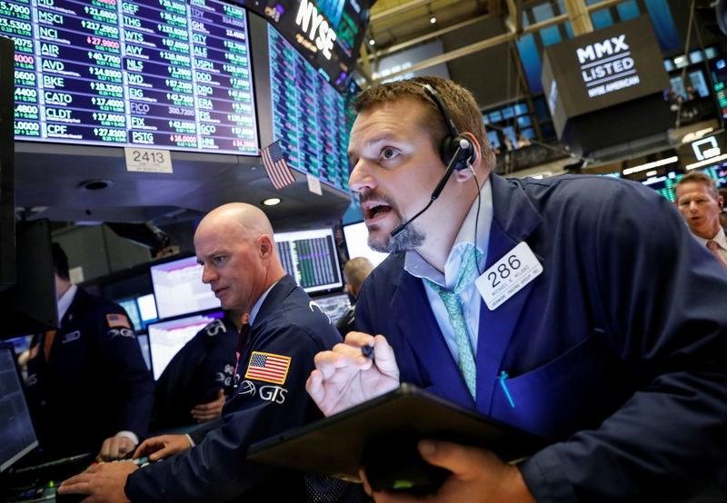 الأسهم الأميركية تختم أسوأ أسبوع لها منذ عام 2008