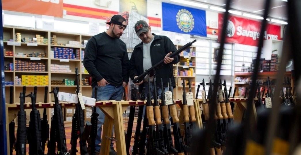 """وباء """"كورونا"""" قد يحوّل أميركا  إلى دولة فاشلة يتولاها العسكر"""