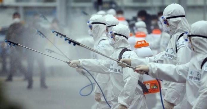 """""""الزموا منازلكم"""".. تدبير يعم العالم سعياً لوقف انتشار فيروس كورونا"""