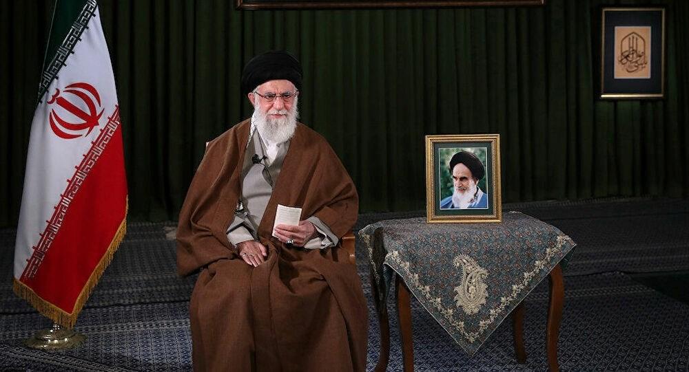 السيد خامنئي للقادة الأميركيين: أنتم وقحون وظالمون وإرهابيون