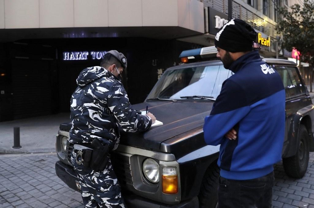 خشية الانتشار الأكبر لكورونا.. لبنان يبدأ إجراءات أمنية مشدّدة