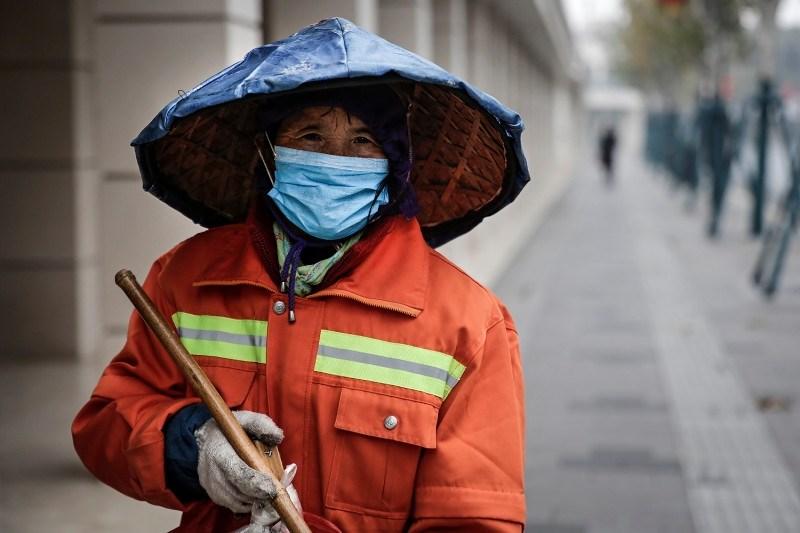 بعد شهرين ونصف من الحجر... سكان ووهان الصينية يستأنفون العمل