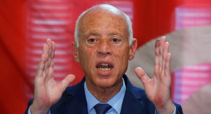 سعيّد يأمر الجيش بالانتشار لإلزام التونسيين باحترام إجراءات مكافحة كورونا