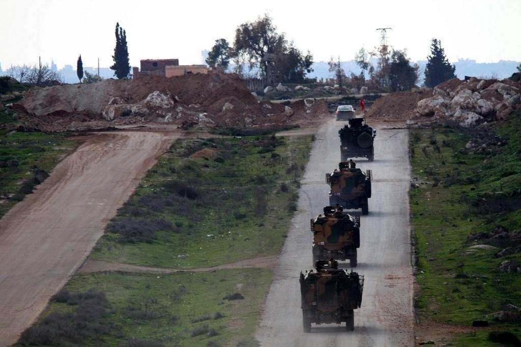 """تسيير الدورية الروسية-التركية الثانية على طريق """"إم-4"""" بين حلب واللاذقية"""