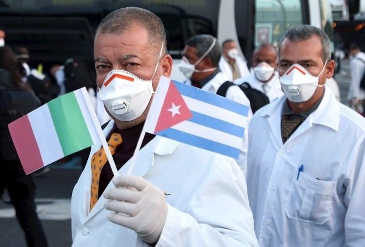 إيطاليا: الفريق الطبي الكوبي باشر العمل... وطائرة مساعدات روسية جديدة