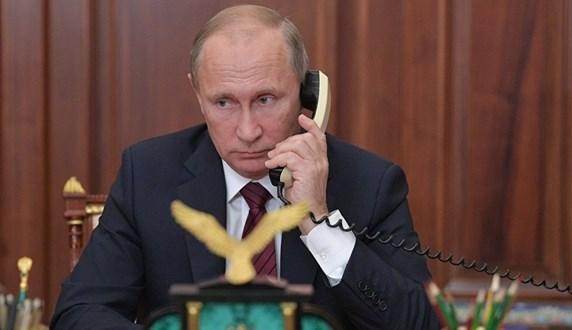 بوتين وماكرون يبحثان التسوية في سوريا وليبيا ومكافحة فيروس كورونا