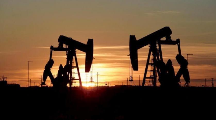 أسعار النفط العالميةتنخفض من جديد مع استمرار أزمة كورونا