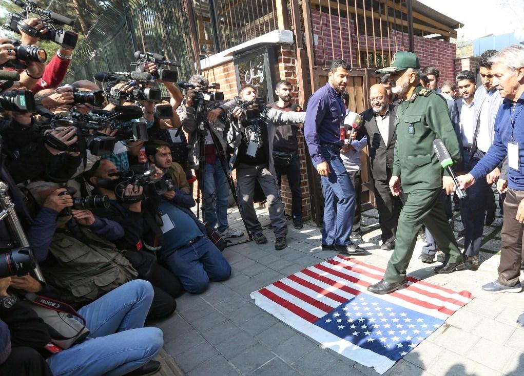 """سلامي: التصريحات الأميركية حول تقديم المساعدة للشعب الإيراني """"أكاذيب"""""""