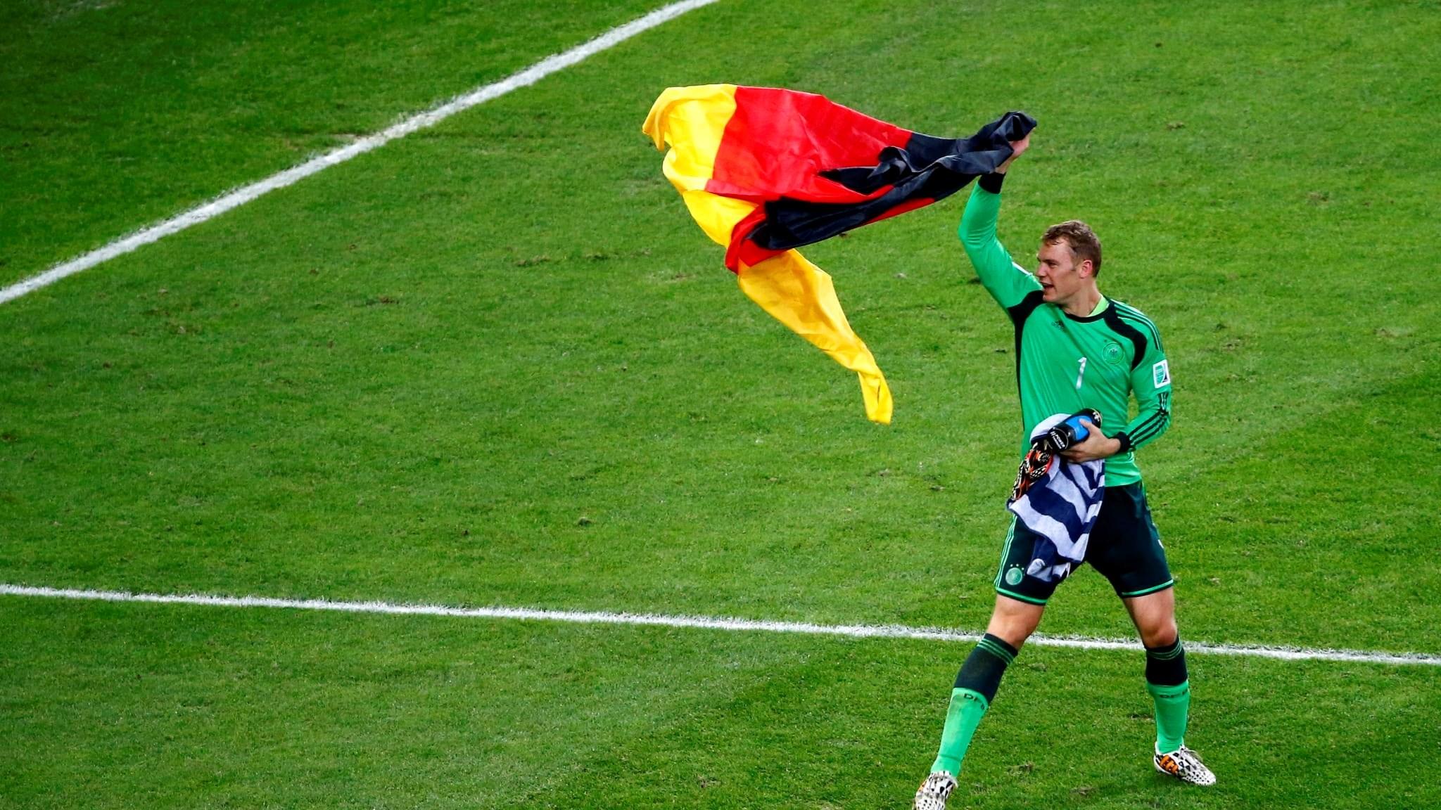 اليوم أنجبت ألمانيا مانويل نوير!
