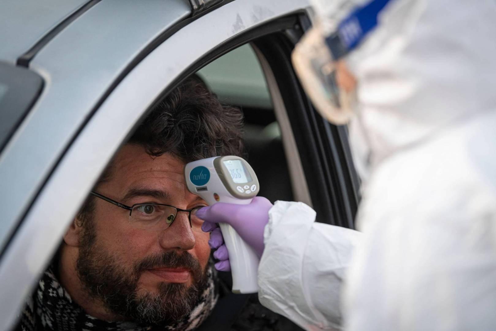 """أطباء بلا حدود تقدم المساعدات """"للمحتاجين"""" في جنيف"""