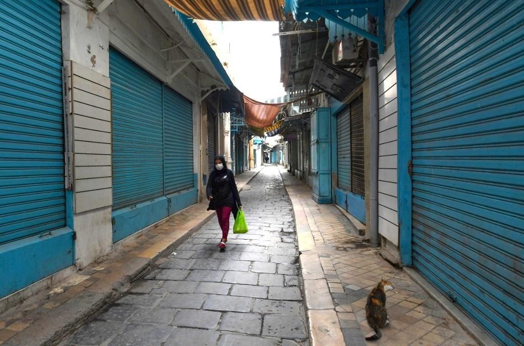 """هل تعجل """"كورونا"""" بنهاية الصحف الورقية في تونس؟"""