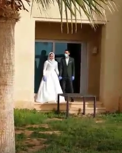 حفل زفاف داخل الحجر الصحي!