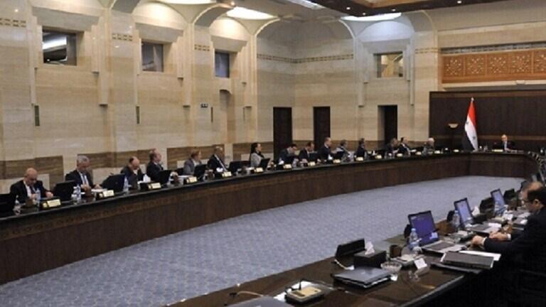 الحكومة السورية تحظر التجول اعتباراً من الثلاثاء المقبل وحتى 16 نيسان