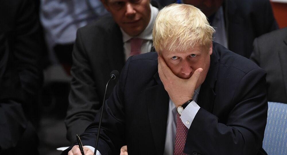 """""""الأمور تتجه للأسوأ""""... جونسون يوزع منشوراً على كل المنازل في بريطانيا"""
