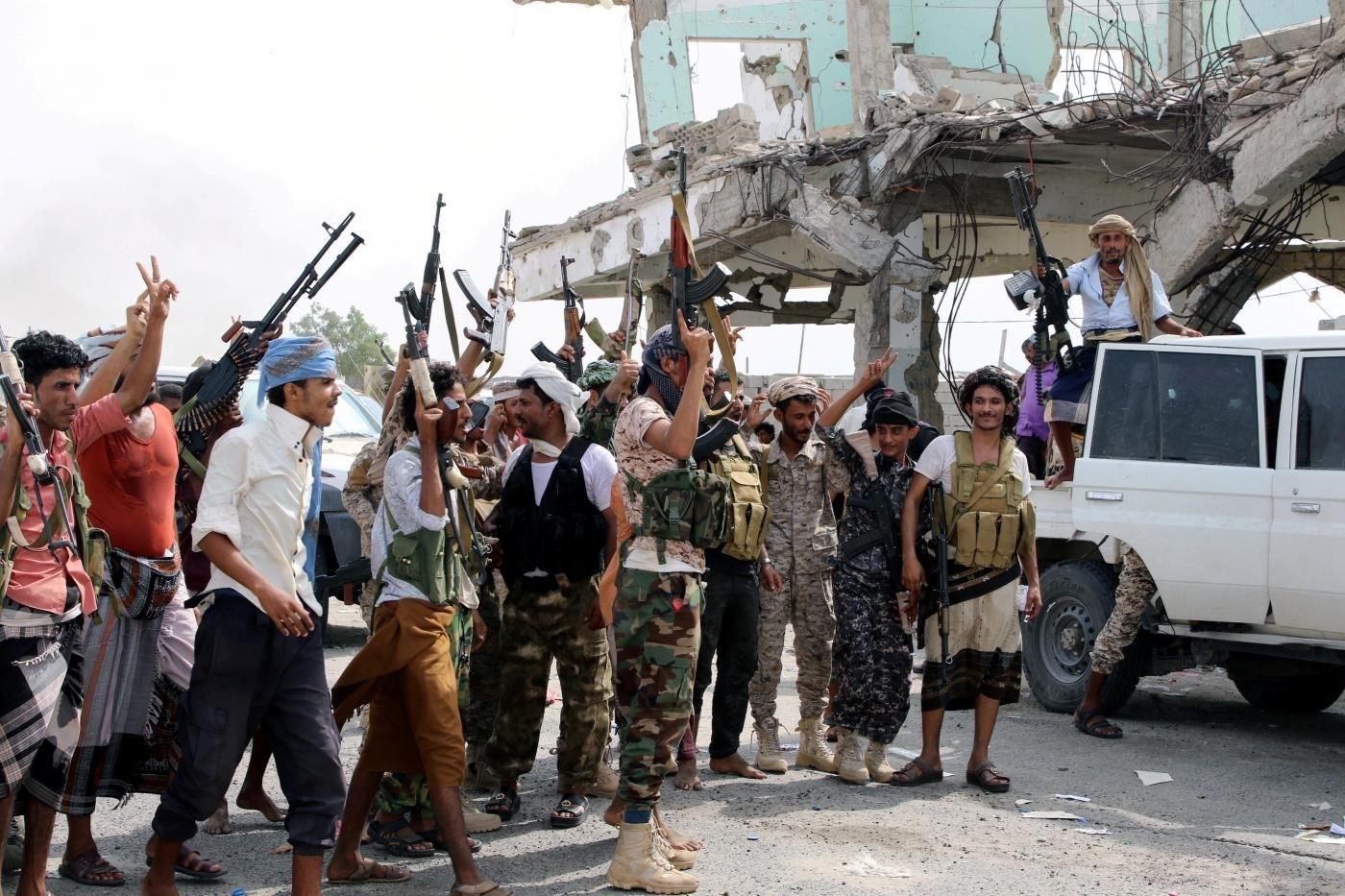 القوات اليمنية تسيطر على معسكر اللبنات  والمرازيق شرق الحزم