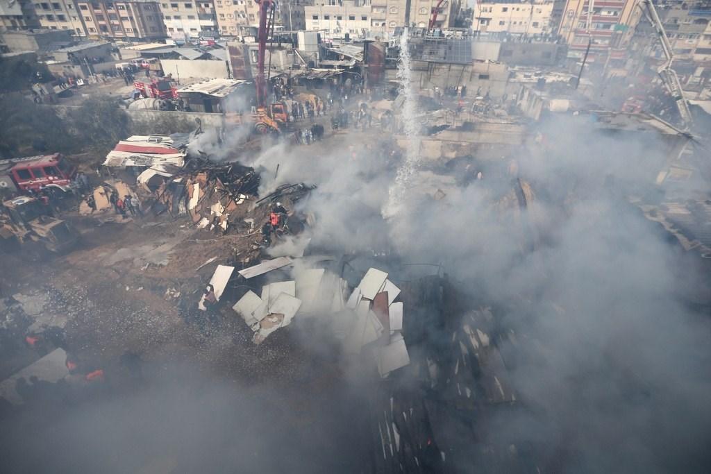ضحايا في حريقٍ اندلع بمخيم النصيرات في غزة