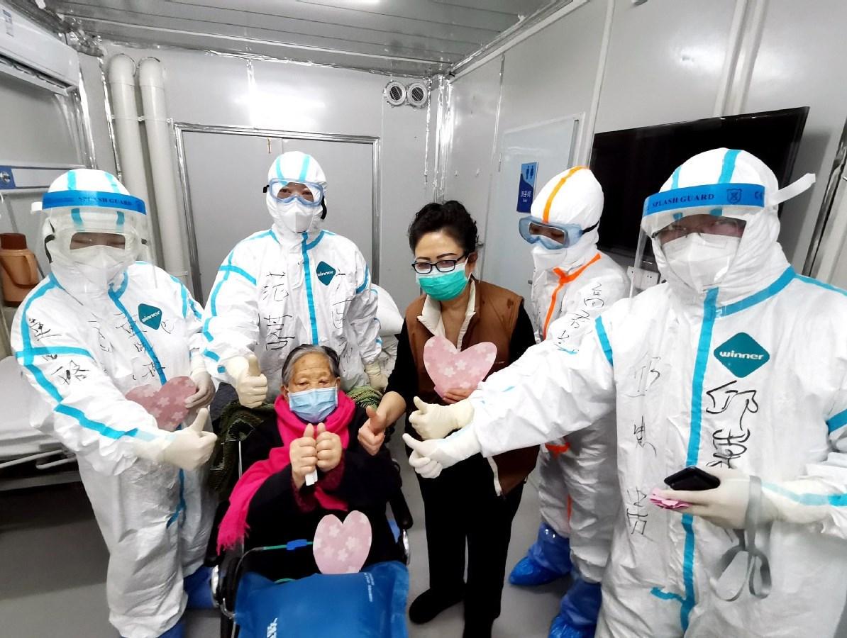 الرئيس الصيني يدعو لتحفيز الاستهلاك مع استمرار جهود احتواء الفيروس