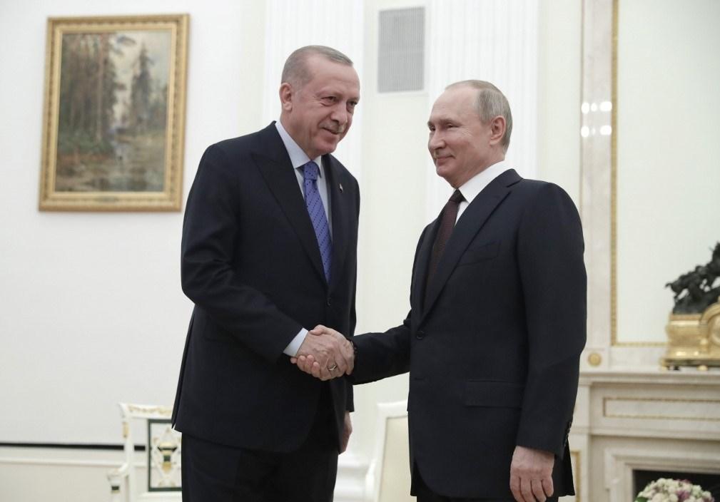 إردوغان يلتقي بوتين: القرارات التي سنتخذها ستخفف التوتر في سوريا