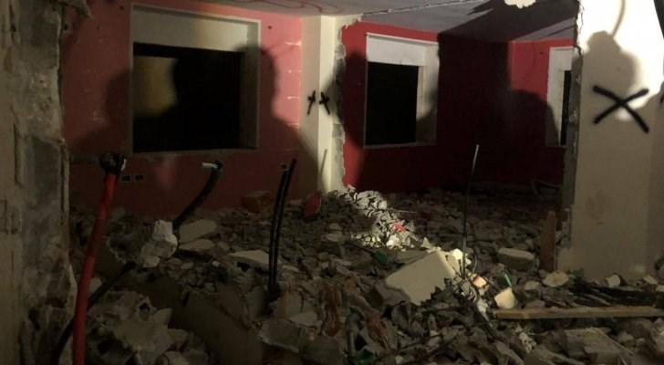 قوات الاحتلال تهدم منزلي أسيرين في الضفة الغربية