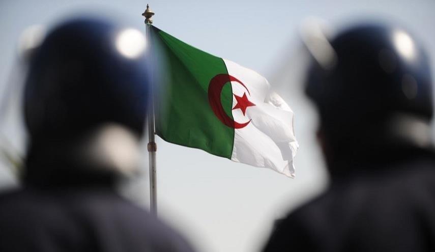 الأمن الجزائري يحبط مخططاً إرهابياً