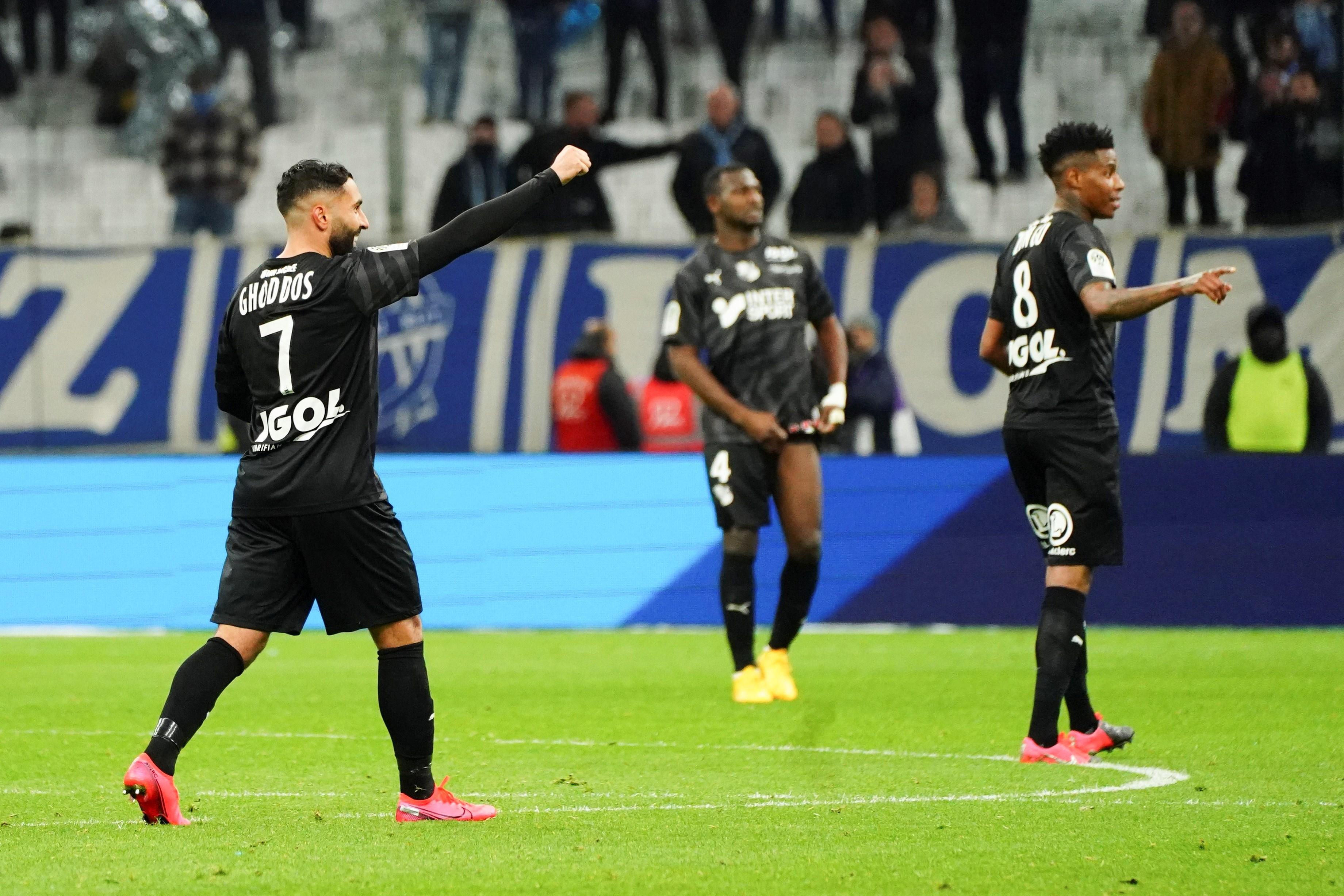 الدوري الفرنسي: أميان يفاجئ مارسيليا في الوقت القتال!