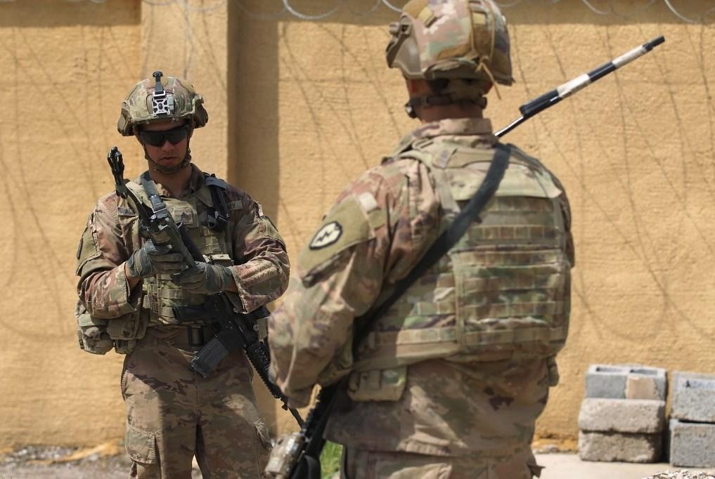 مصدر للميادين: القوات الأميركية تحزم حقائبها لمغادرة قاعدة الحبانية العراقية