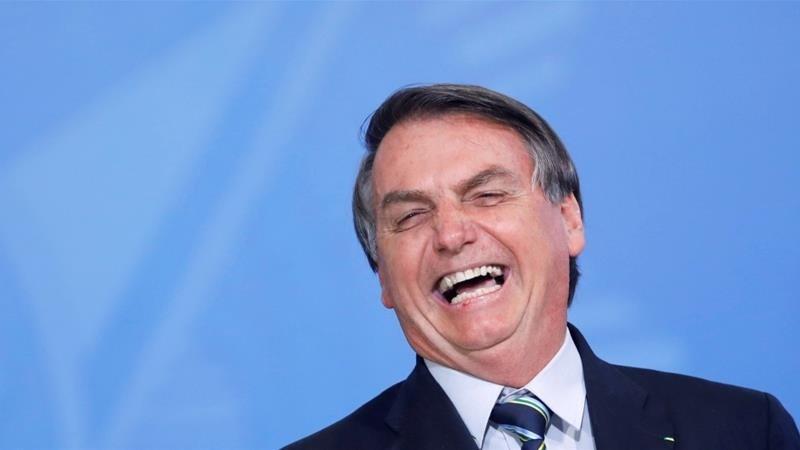 مجدداً.. الرئيس البرازيلي يستخف بكورونا