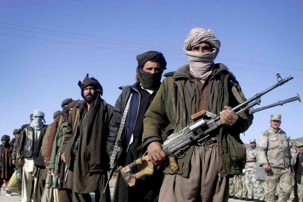"""قائد القوات الأميركية في أفغانستان يناقش خفض العنف مع قادة """"طالبان"""""""