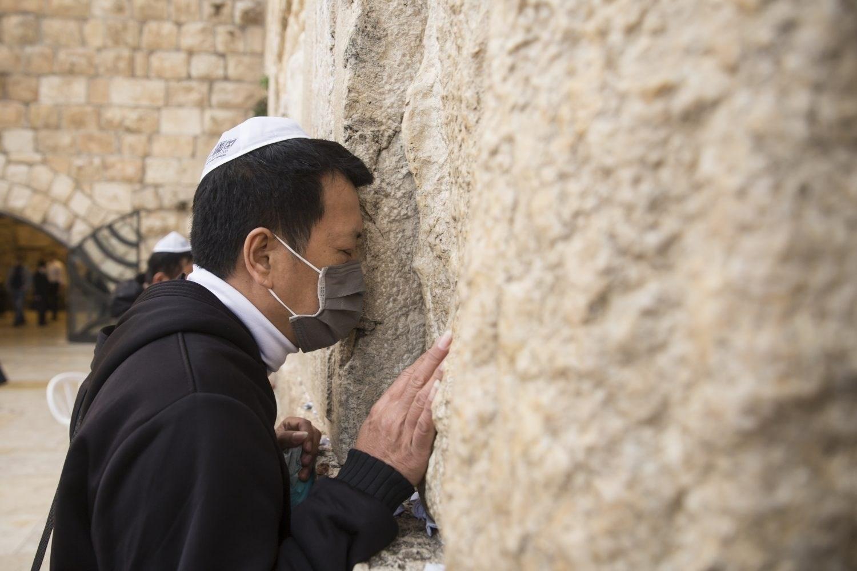 """قلق وغضب في """"إسرائيل"""".. كورونا يُهدّد"""