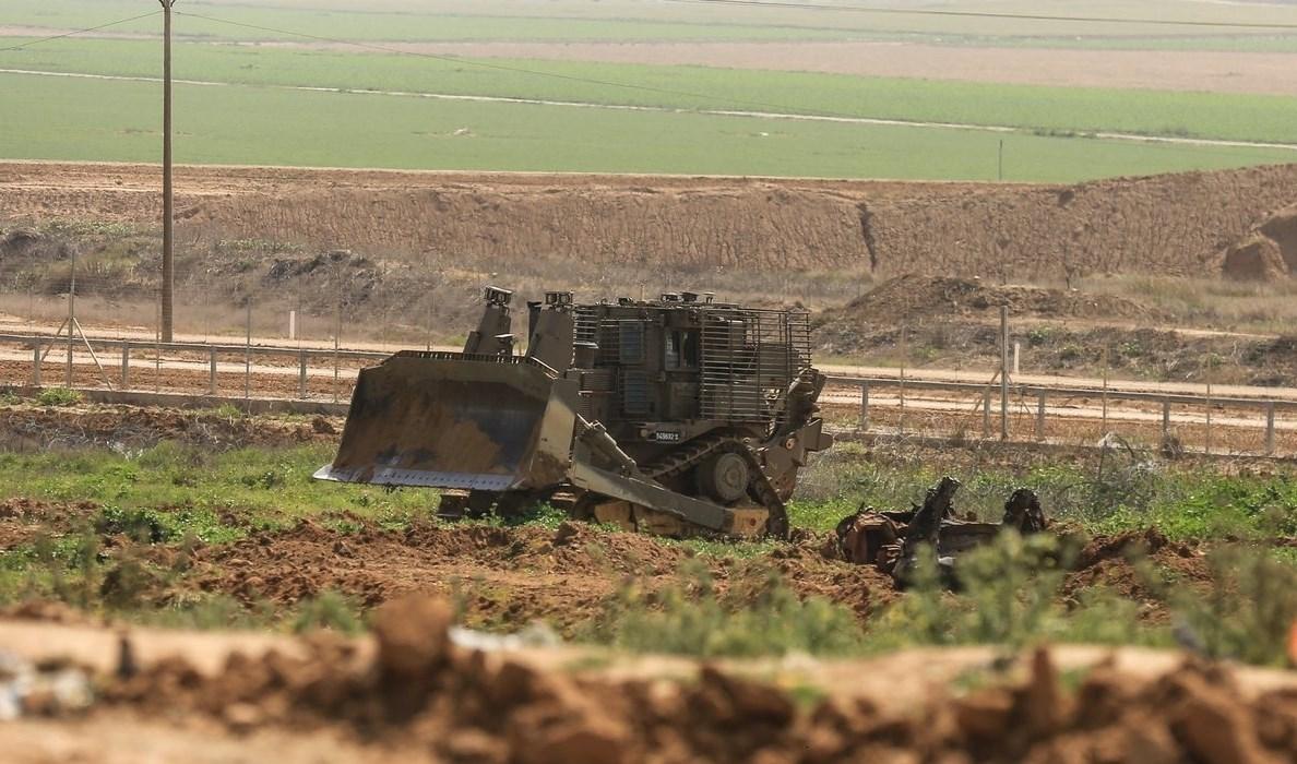 توغل جرافات عسكرية إسرائيلية شرق بيت حانون
