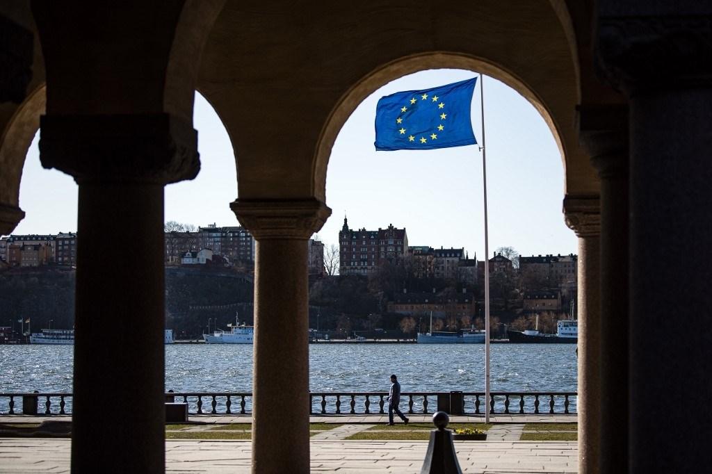 الاتحاد الأوروبي يتجه لاقتراض 1500 مليار يورو لمواجهة تداعيات كورونا