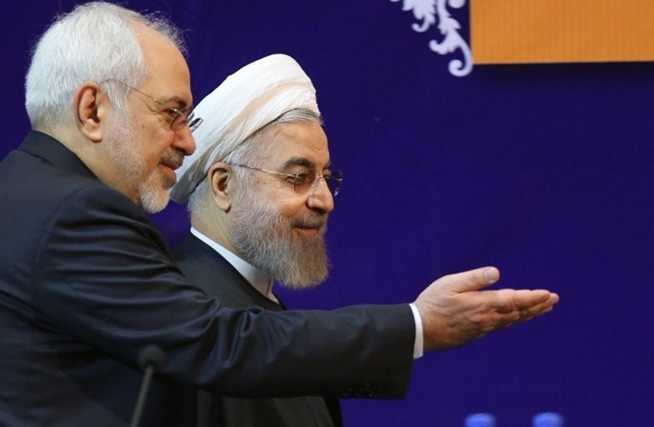 روحاني: السلع الأساسیة والأجهزة الطبية مؤمنة حتى نهاية العام.. وظريف لأميركا: كورونا كان فرصة!