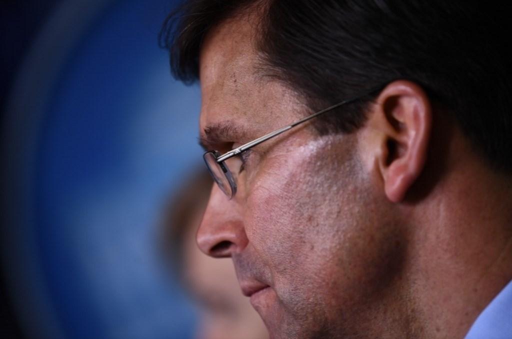 مجدداً... إسبر يتهم الصين باستمرار حجب معلومات متعلقة بكورونا