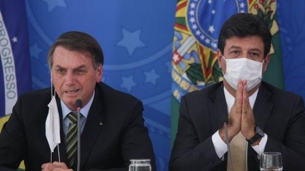 الرئيس البرازيلي يقيل وزير الصحة بعد انتقاده طريقته في مواجهة كورونا