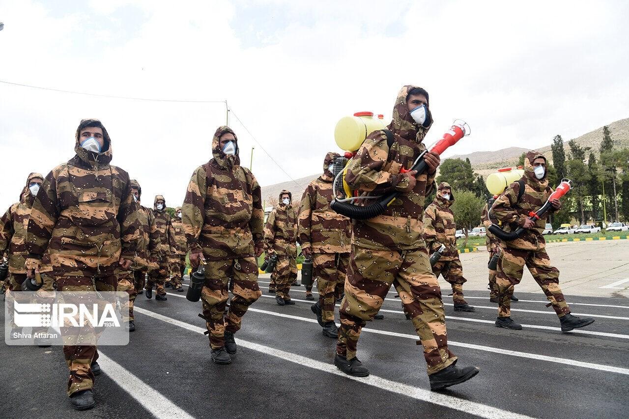 """في يومه الوطني.. الجيش الإيراني يطلق مراسم """"استعراض الخدمة"""""""
