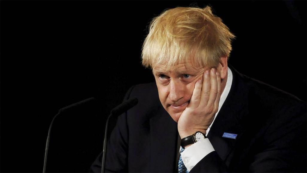 بريطانيون يطالبون باستقالة جونسون.. فما السبب؟