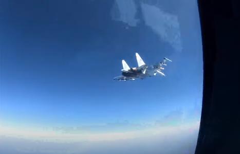 للمرة الثانية خلال أيام.. البحرية الأميركية تعلن اعتراض طائرة روسية لطائرتها