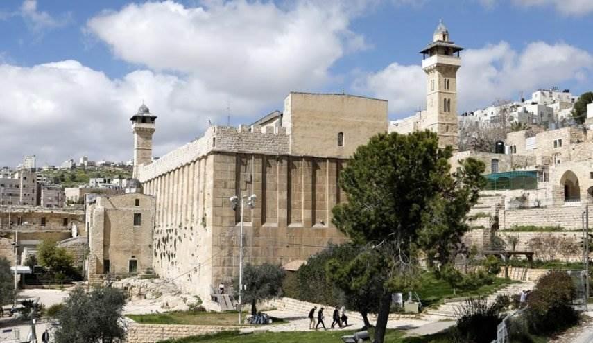 سلطات الاحتلال تصادق على قرار مصادرة أراضي الحرم الإبراهيمي