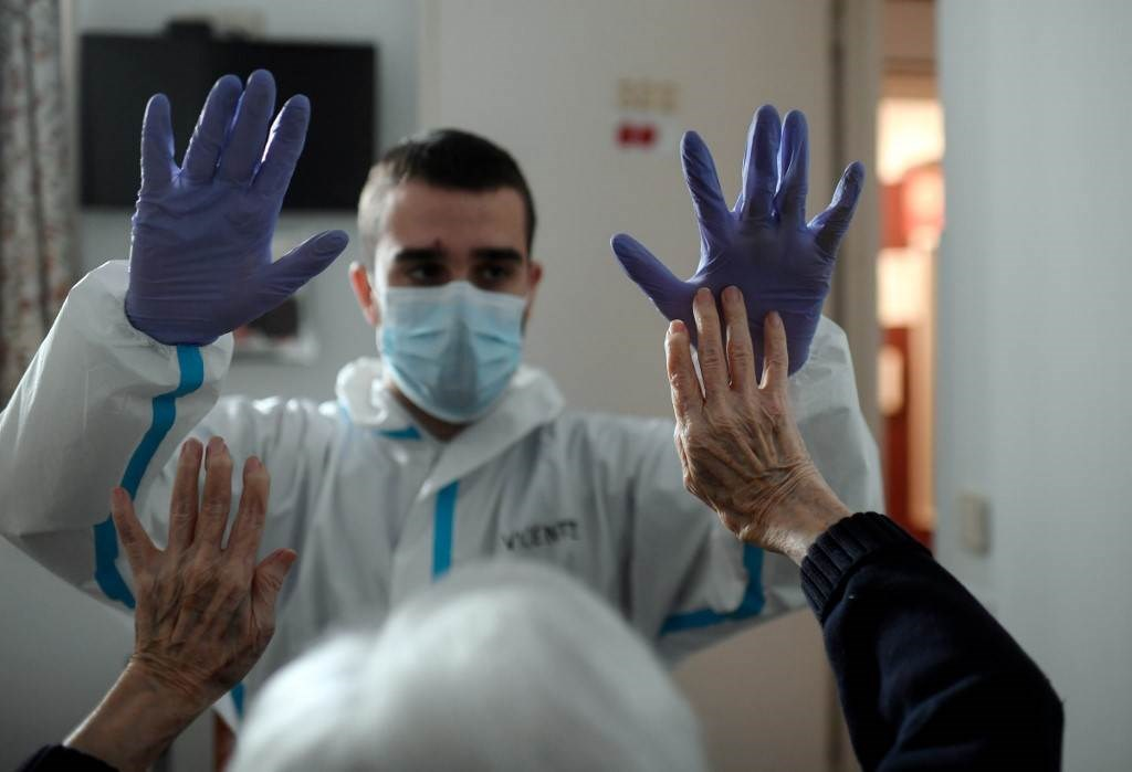 """""""الصحة العالمية"""": لا إثباتات على مناعة من سبق أن أصيبوا بكورونا"""