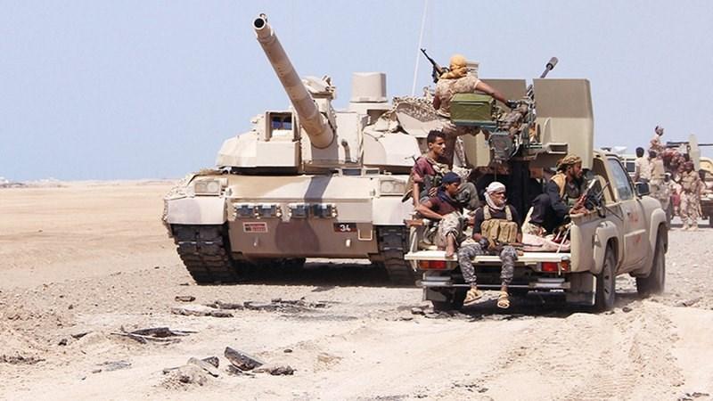 الجيش اليمني يسيطر على معسكر اللبنات.. والتحالف السعودي يخرق إعلان وقف النار
