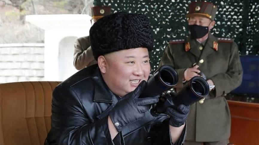 """الزعيم الكوري الشمالي كيم جونغ أون """"حيّ وبصحة جيدة"""""""
