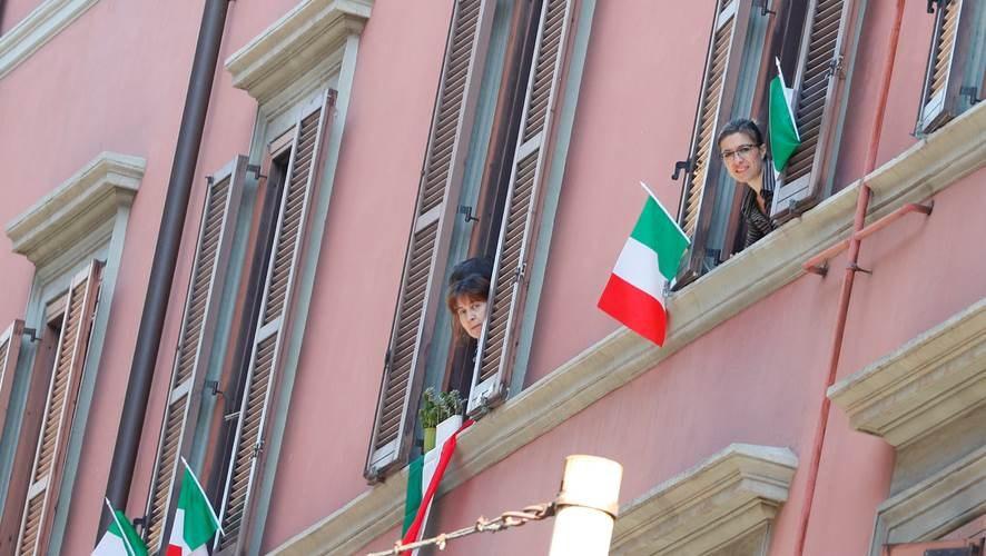 إيطاليا تعود إلى الحياة الطبيعية تدريجياً بعد تراجع عدد الوفيات