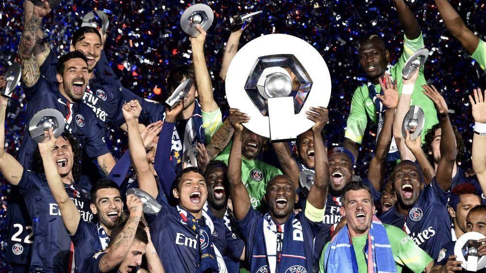 الدوري الفرنسي يستسلم لكورونا!