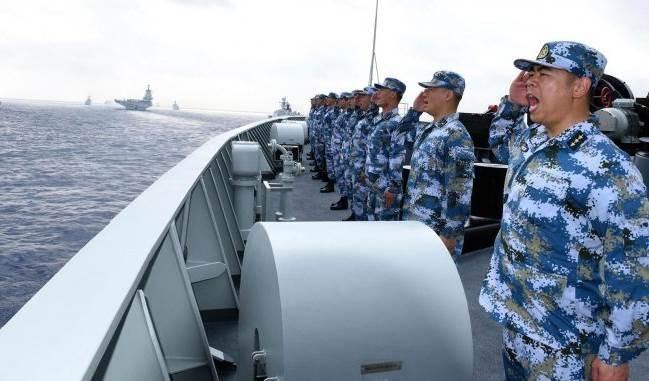 الجيش الصيني يعلن طرد مدمرة أميركية في بحر الصين الجنوبي