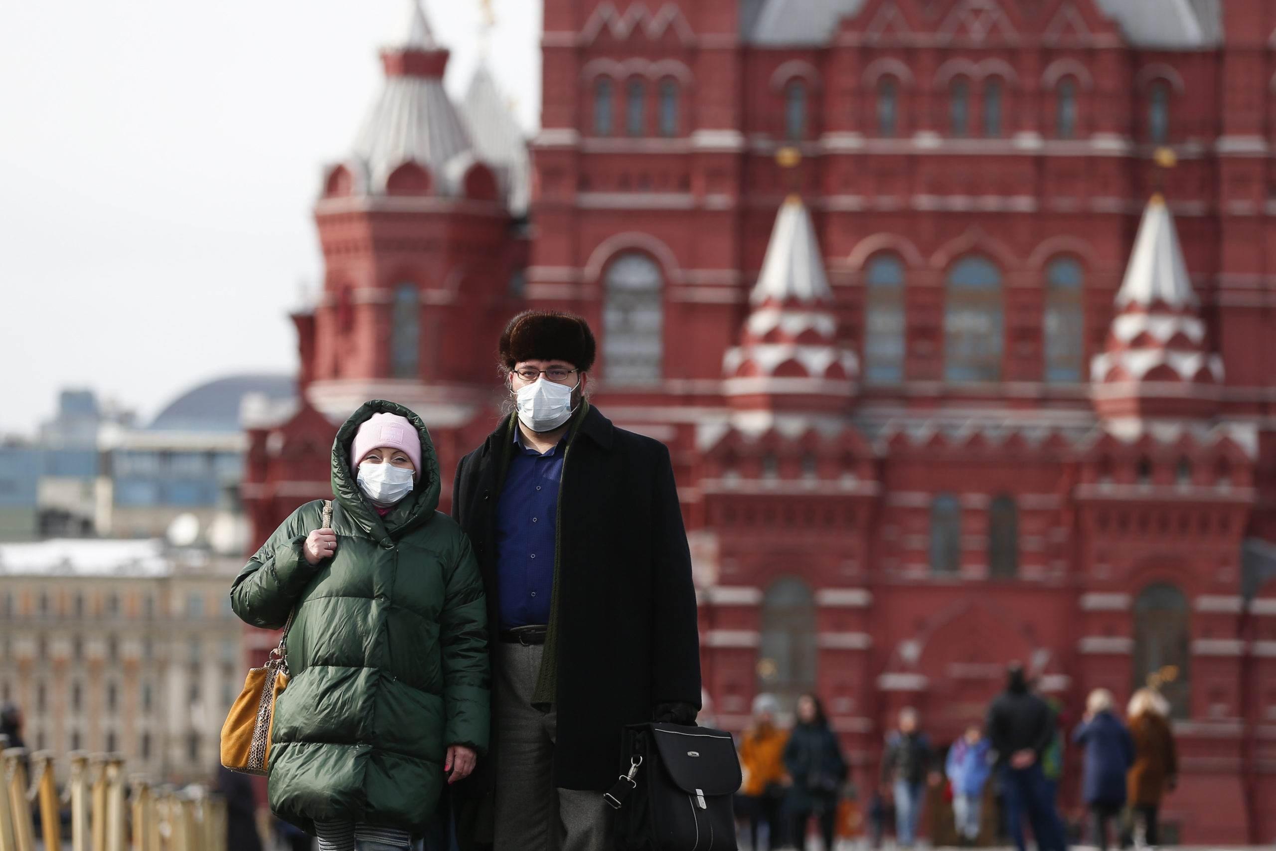 روسيا تمدد حظر دخول الأجانب إلى البلاد