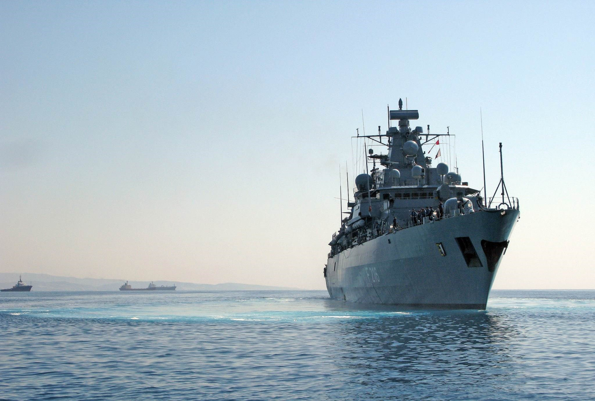 """عملية """"إيريني"""" تنطلق في المتوسط لمراقبة حظر الأسلحة إلى ليبيا"""